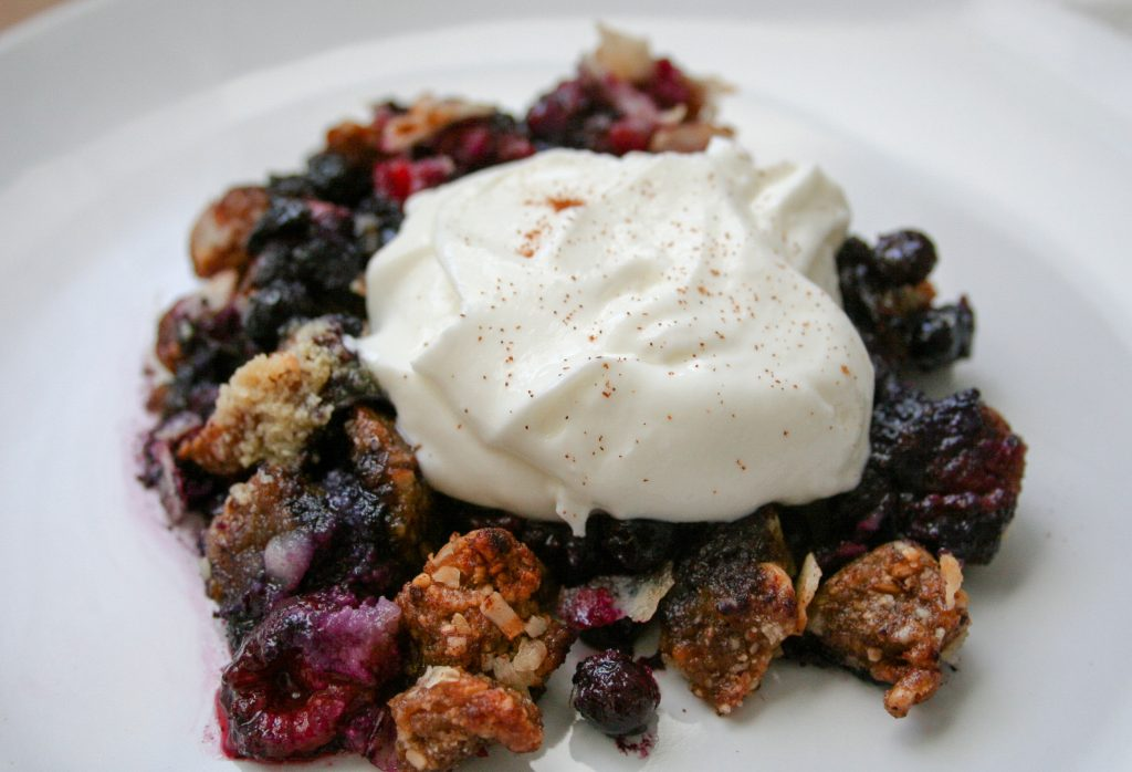 Gracitude Berry Skillet Crumble w/ Cookie Dough & Yogurt